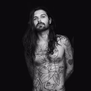 Simon Neil of Biffy Clyro Press Image